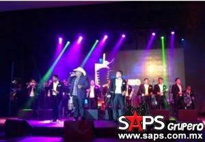 Chuy Lizárraga regresó a cantar con La Original Banda El Limón