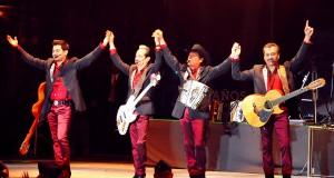 """Los Tigres Del Norte por primera vez en Veracruz cantan el éxito """"La Bala"""""""