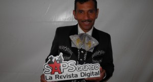 Oscar Cruz prepara su tercera producción discográfica con Mariachi
