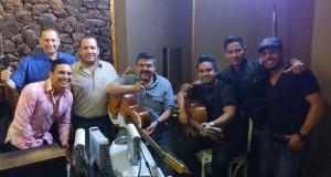 La Trakalosa invita a Pesado a grabar un intro que presentarán en el show de la Arena Monterrey