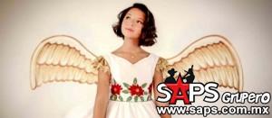 Ángela Aguilar canta temas navideños en su primer disco en solitario