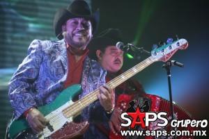 Polo Urías ofrece gran actuación en dallas y hace dueto con Los Rieleros Del Norte