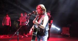 América Sierra feliz de cantar en Sinaloa
