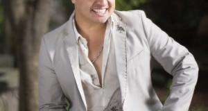 Julión Alvarez regresa a la tierra que lo vio nacer a cantarle a sus paisanos