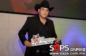 """Marco Flores Y La Número 1 Banda Jerez dan a conocer su nuevo tema """"Evítame La Pena"""""""