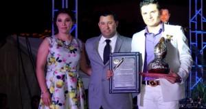 Horacio Palencia es premiado en su tierra