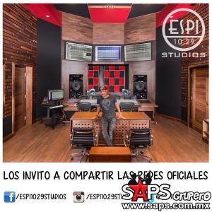 Espinoza Paz se defiende de quienes lo tachan de no escribir sus canciones
