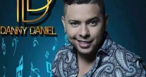 Danny Daniel – Le Hace Falta Un Beso (Letra y Video Oficial)