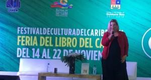 """Margarita """"La Diosa de la Cumbia"""" mostró su faceta de escritora"""