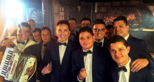Aarón Y Su Grupo Ilusión destilan amor junto a Cristian Castro