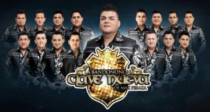 La Bandononona Clave Nueva desfila con Los Venados Campeones