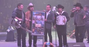 Duelo celebró XV años en La Arena Monterrey poniéndola a su máxima capacidad