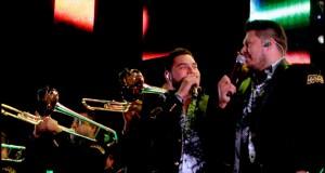 Banda MS honra a Joan Sebastian y Vicente Fernández en espectáculo musical
