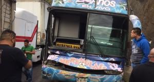 Merenglass sufre aparatoso accidente en las Cumbres de Maltrata