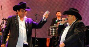 """""""El Coyote"""" y Julión Álvarez cantarán temas de Joan Sebastian en Taxco"""