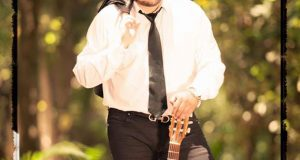 Alex Rivera complace a sus fans con una noche bohemia