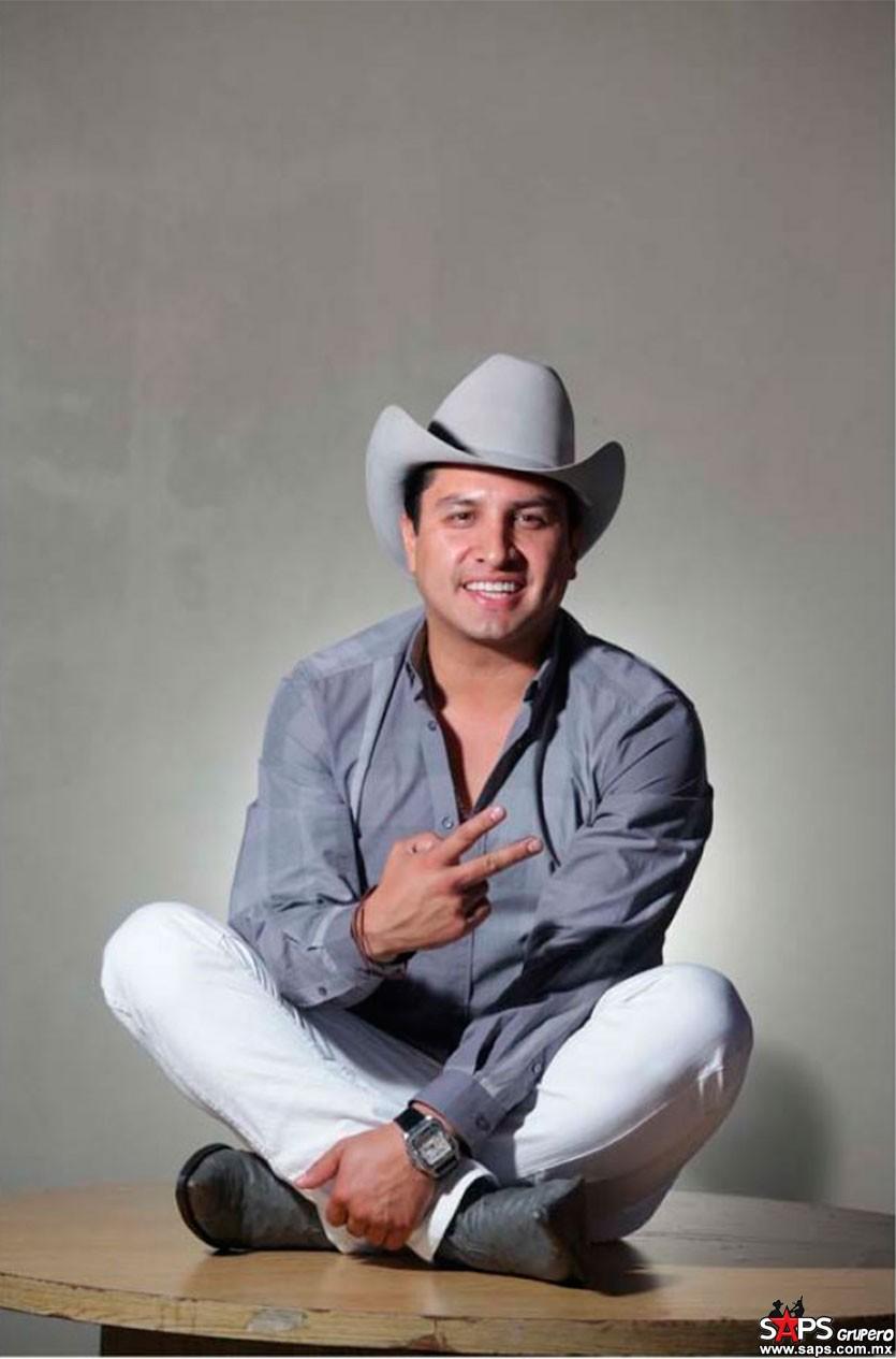 Julión Álvarez de cantante a conductor - SAPS Grupero