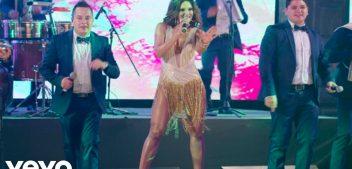 Aarón y Su Grupo Ilusión ft Mariana Seoane – Te Vas – Video