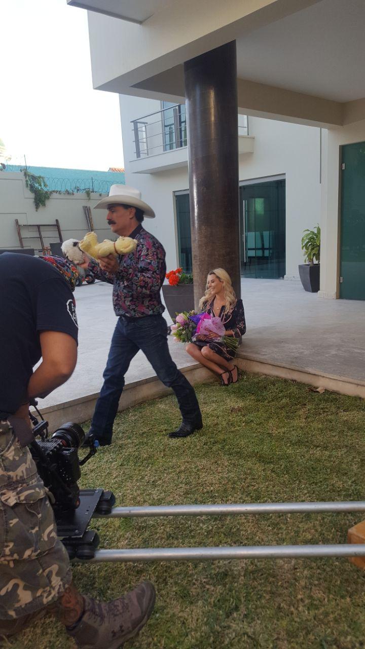 el chapo de sinaloa te dice con mariachi  u201chola mi amor