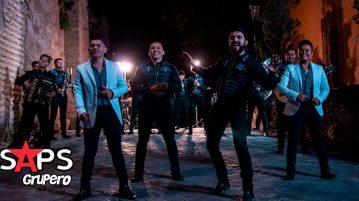 Banda Santa y Sagrada ft. Edwin Luna y La Trakalosa de Monterrey - La Reina De Mi Alma