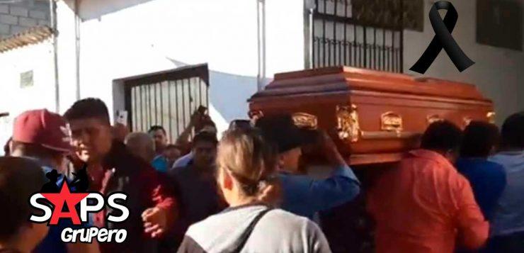 Entre lágrimas despiden a músicos asesinados de Banda La Fiestera